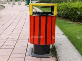 成都采用塑料环卫垃圾桶的益处